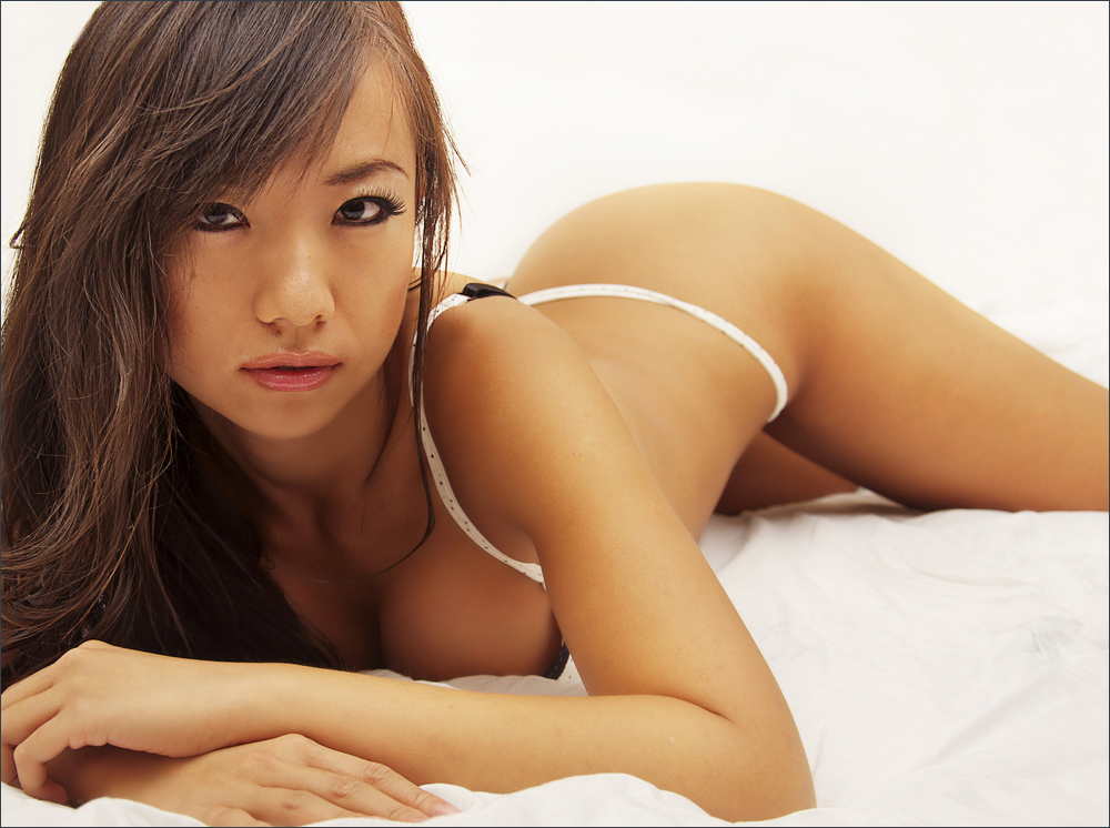 nude asian girl